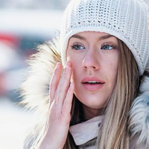دلایل خشک شدن پوست در زمستان