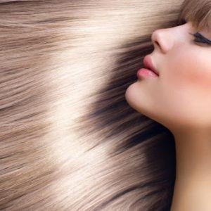 اشتباهات رایج آرایشی که باعث ریزش مو می شوند